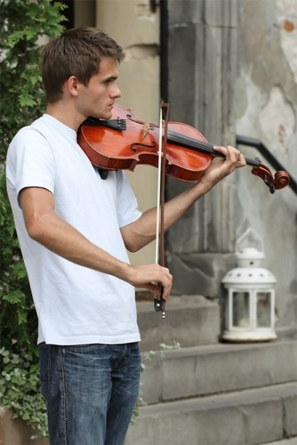Street violinist - Old Town - Warsaw